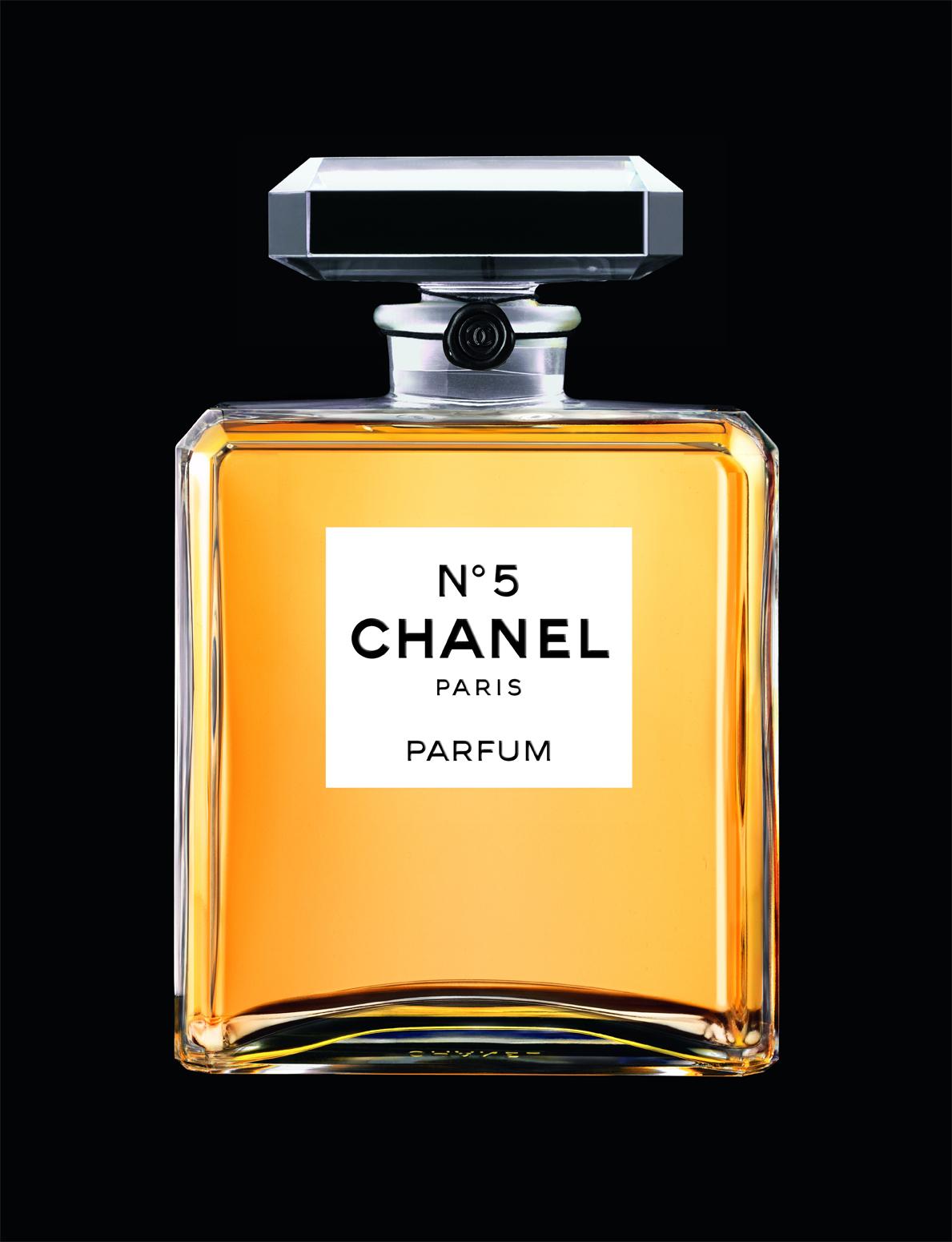 Chanel N°5 s'expose au Palais de Tokyo