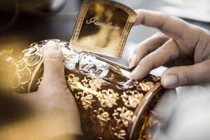 """Les belles étiquettes dorées du flacon abeille """"home made"""" !..."""
