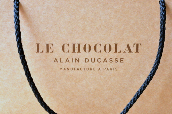 La manufacture de chocolat d'Alain Ducasse en vidéo
