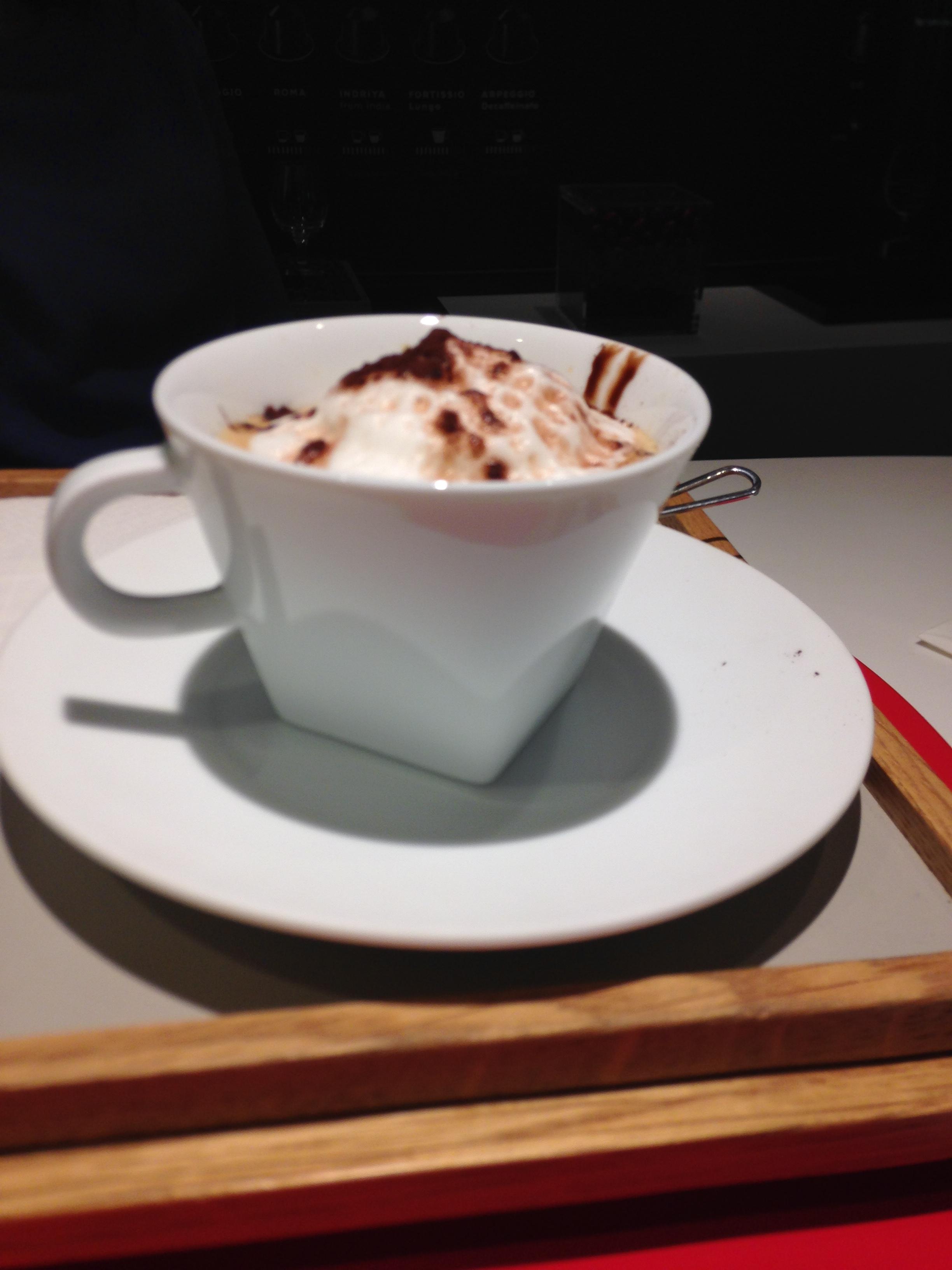 Atelier Café gourmand Nespresso avec un décaféiné