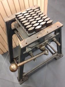 La machine à mouler les calissons